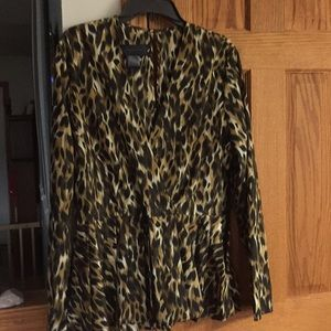 Beautiful blouse by Kardashian Kollection size L
